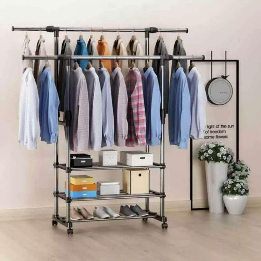 Triple stand hanger 0