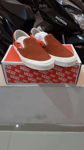 Dijual Vans slip on og vault x modernica leather brown