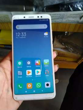 6 month ol phone good condition