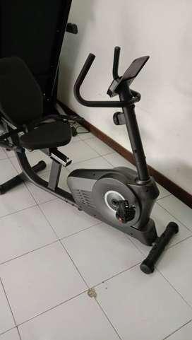 Alat fitness Sepeda statis RECUMBENT BIKE iReborn