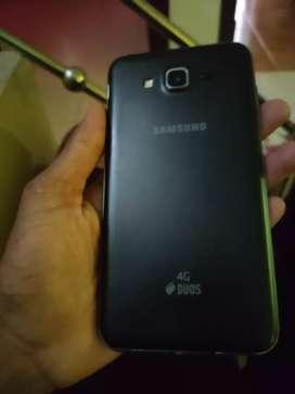 Samsung J7 2gb ram