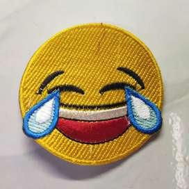Emblem patch bordir emoticon ketawa sampai nangis