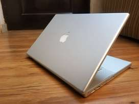 MACBOOK PRO 15 EARLY 2008 IN VERY NICE CONDITION AND GOOD SPECS