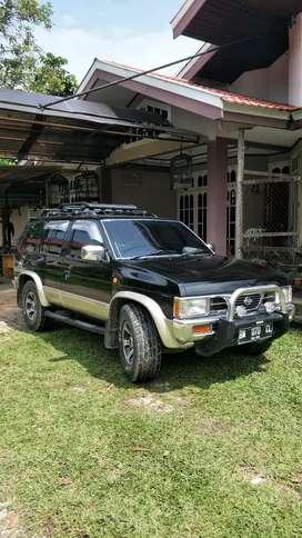 Nissan terrano kingsroad