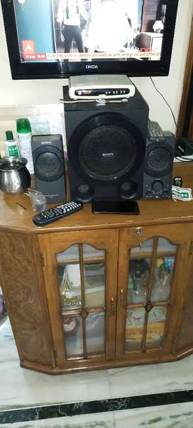 Sony home theatre with remote