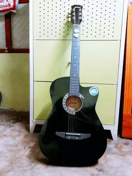 A brand new guiter