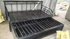 Iron sofa cam bed for sale hevy matrial