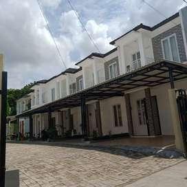 Rumah mewah 2 lantai dalam cluster type eropa