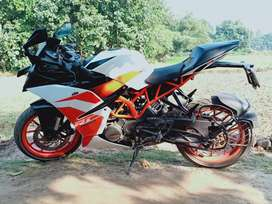 Sell my ktm rc 200.paper up-to-date.i am the 2nd owner of this bike