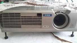 Projector maltimedia epson in good condition for sale