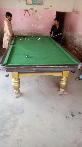 Snooker table for sale 5 / 10 with all equipments balls and sticks