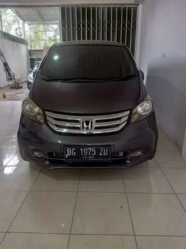 Honda freed 1.5E PSD tahun 2015 antik