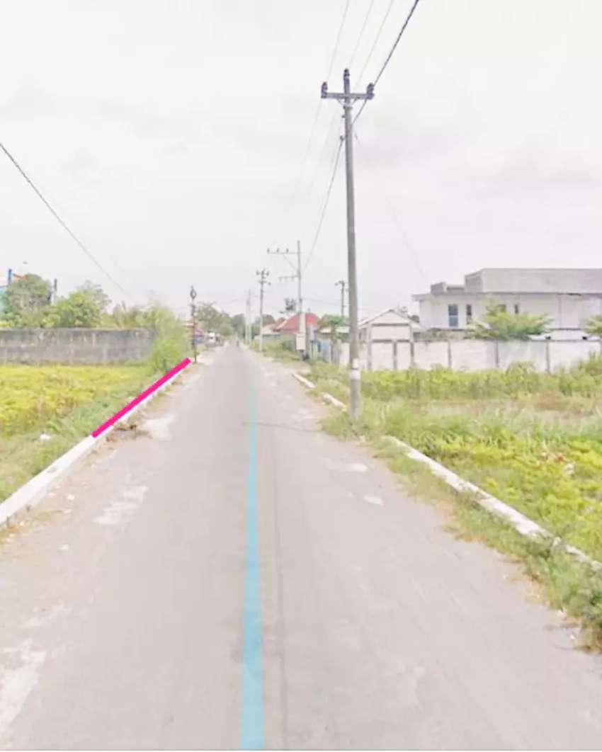 Tanah strategis akses jalan aspal lebar cocok untuk gudang