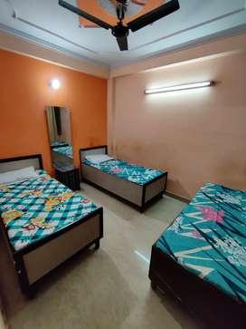 Fully furnished AC boys pg in new ashok nagar, Noida 15.
