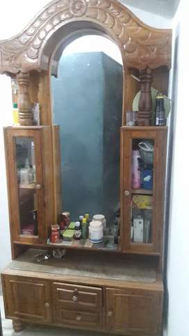 Dressing table for IMMEDIATE SELLING