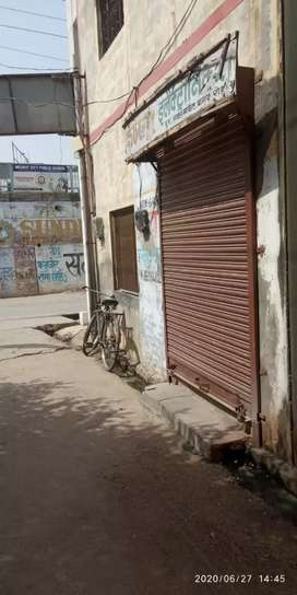 Shop for rent on baghpat road near malayana fatak market