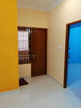 1.5 bhk ground floor flat available for lease with car park