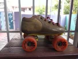 Roller skates 4wheels size 5