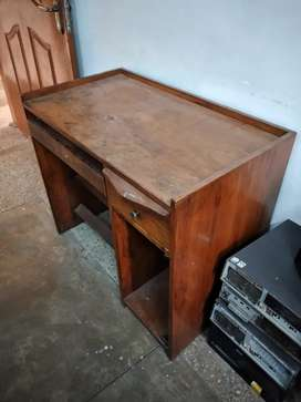computer table is avilible in cheap