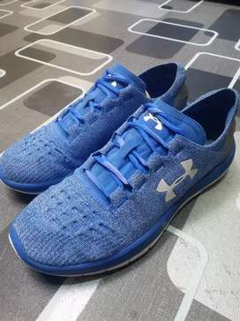 Under armour charged blue size 43