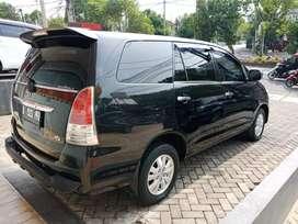 Kijang inova tipe V bensin pemakain 2010