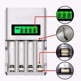 Charger Baterai 4 Slot LCD Display for AA AAA NiMh NiCd - Silver