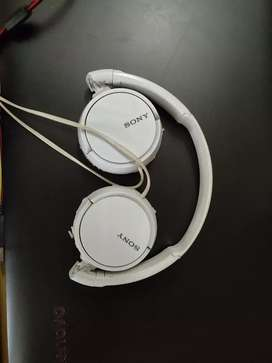 Sony ZX110A Wired headphones(White,Over the Ear)