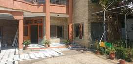 15 marla house for rent in habib ullah colony 5 car  parkin spece