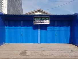 Dikontrakan/Disewakan Bangunan Toko/Gudang Luas Pinggir Jalan Raya