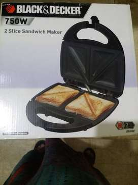 New Black and Decker Sandwich Maker (Box Packed)
