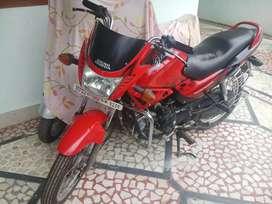 Hero Honda Glamour -150 CC Red and Black colour.