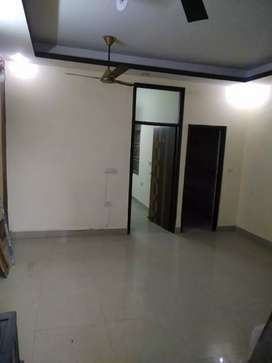 Commercial purpose 3 bhk flat available for rent in indirapuram