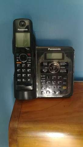 Panasonic cordless landline phone with answering  machine