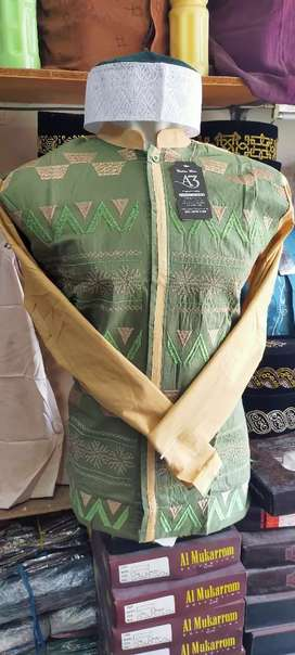 Baju taqwa/koko lengan panjang. Motif doble warna semi kemeja. Bordir.