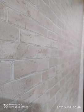 Mengatasi dinding yg kotor pasang wallpaper aja, banyak pilihan motif
