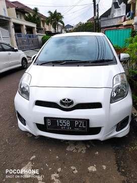 Toyota yaris E AT 2013