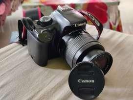 Canon EOS 1100 D.