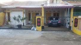 Disewakan per tahun rumah dengan fasilitas 3 KT, 3 KM  Rp 12 juta/thn
