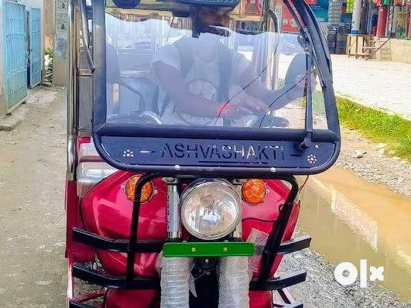 पटना में ई रिक्शा चालक की आवश्यकता