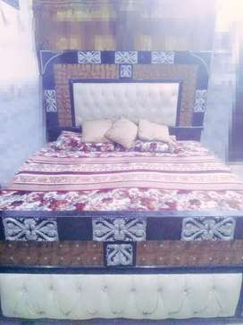3 years old  bed with side tables , new condition, clr black & white
