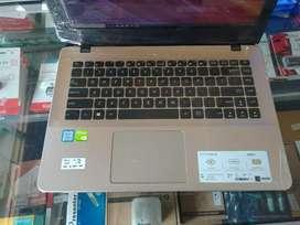 Laptop gaming asus i7 gen8 ddr4 8GB VGA nvidia ddr5 2GB garansi 6bulan