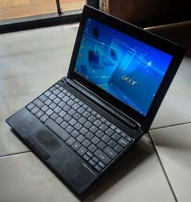 Netbook 10inch acer aspire 522 AMD C50 ram ddr3 2gb hdd 320gb