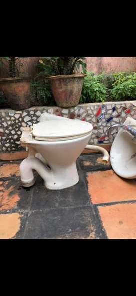 Ceramic Commode