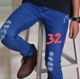 Celana jeans panjang, model Sobek..