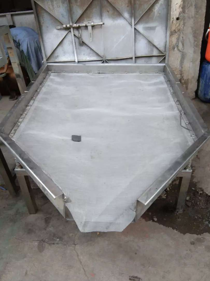 Vibrator Sifter (Channa for powder separation)
