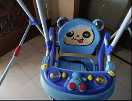 Kids swing good quality and good condition like brand new