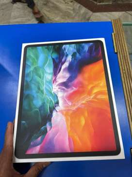 Apple ipad pro 4.  12.9. 128gb wifi just sealed open. 20days old a