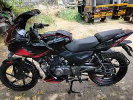 Bajaj pulsar 220 , Excellent condition , 5 year insurance