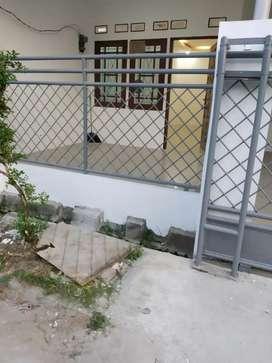 Rumah 1,5 Lantai LT94/LB90 di Harapan Indah 1 Bekasi 725jt Nego