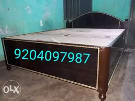 Heavy box bed for sale size 5/6.5